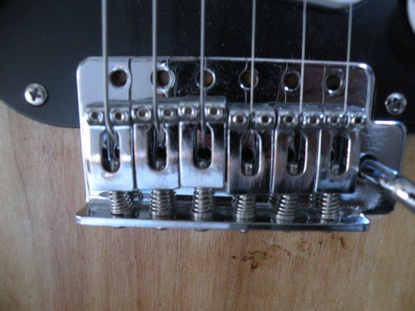 les décolorations de la guitare
