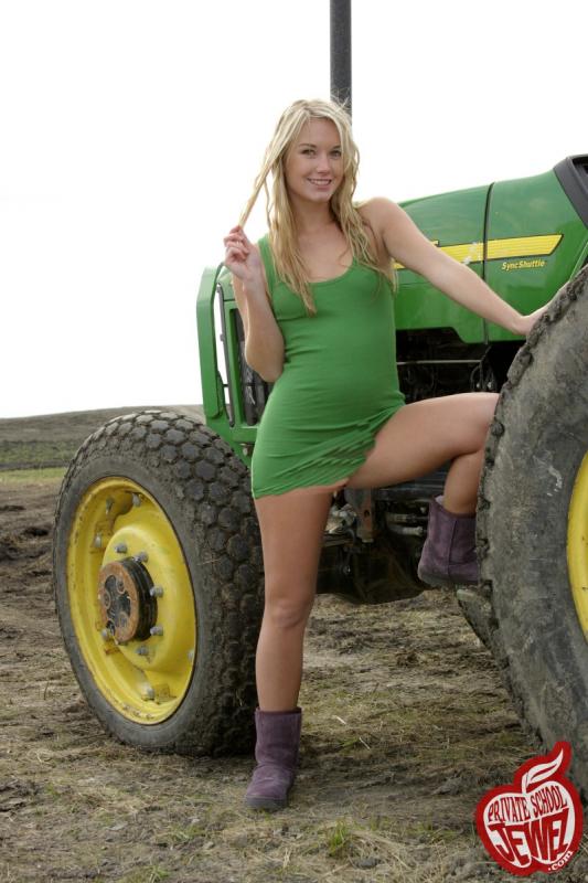 farm girls naked