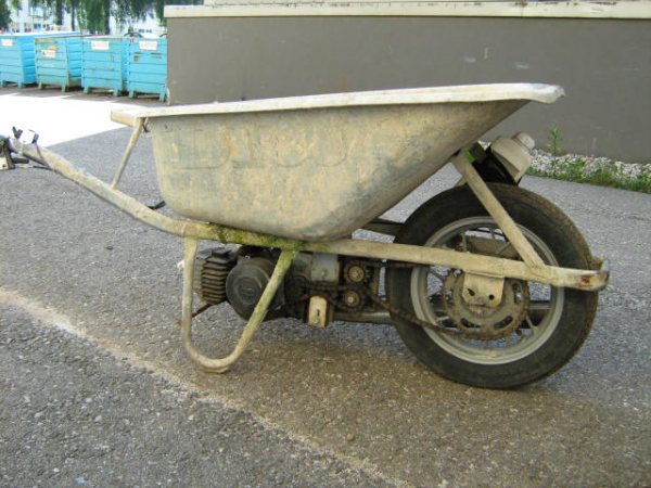 Brouette pour motard retraité