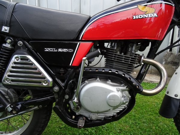 HONDA 250 XL : photos récentes