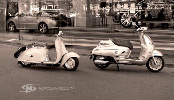 De beaux scooters