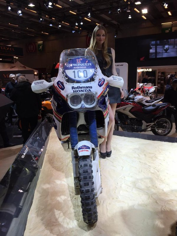 La nouvelle Africa twin au salon de Paris : superbe !!!!