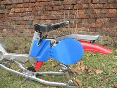 couper ou pas ? le support arrière  pour remonter le garde boue contre la fin de cadre