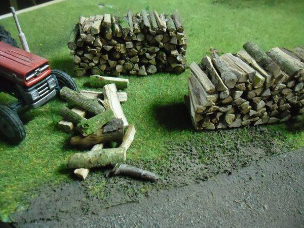 tas de bois pour diorama possible en vrac (buches ou troncs)