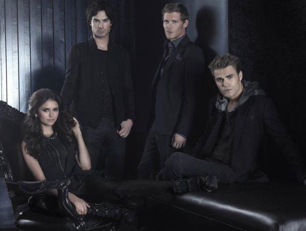 Un nouveau photoshoot de Nina, Paul, Ian et Joseph Morgan est apparu ! + de photo à venir.