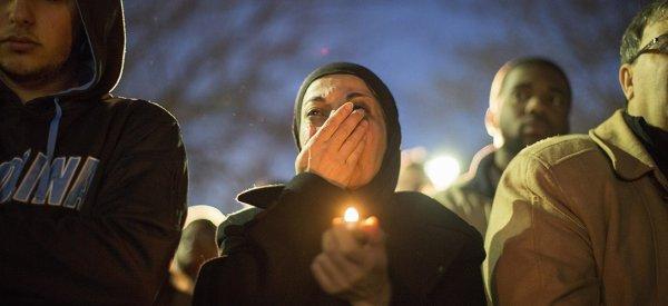 USA: Le meurtre de trois étudiants musulmans lance un débat sur le rapport des athées à l'islam