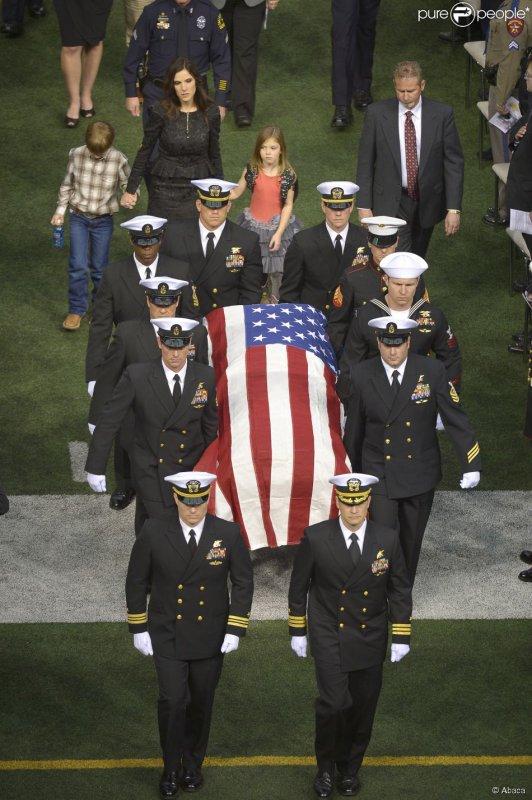 L'enterrement de Chris Kyle le 11 février 2013 au Texas...