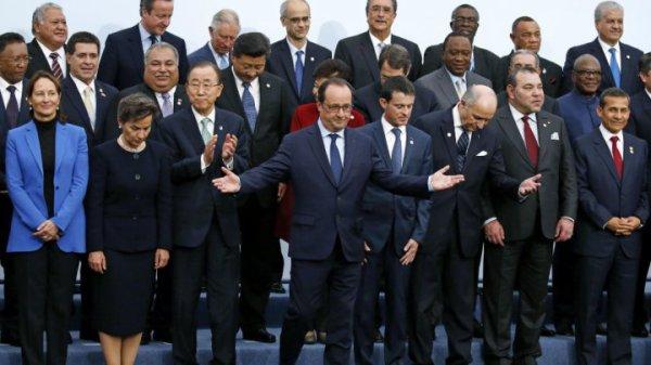 François Hollande, un leader écolo salué à l'étranger mais contesté en son pays