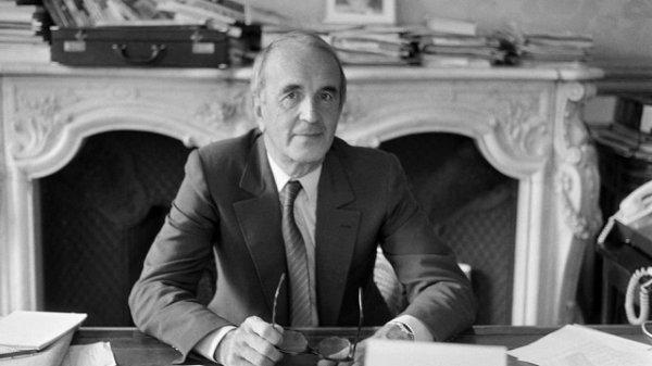 Disparition d'André Rousselet, fondateur de Canal+ et fidèle de Mitterrand