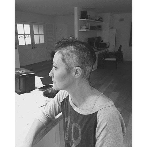 Shannen Doherty lutte contre le cancer du sein.