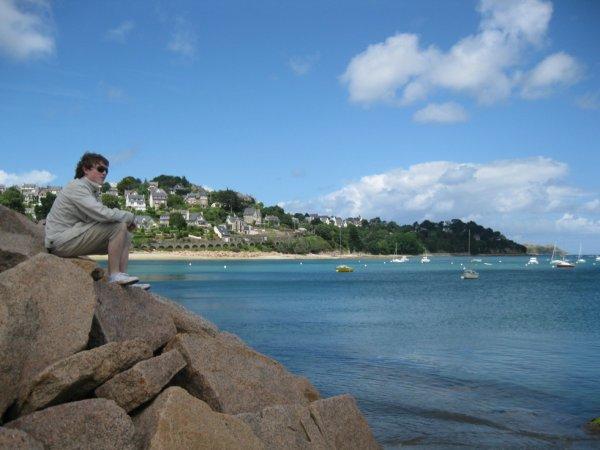 Alors que je scrute l'horizon, je me plonge dans mon Imagination