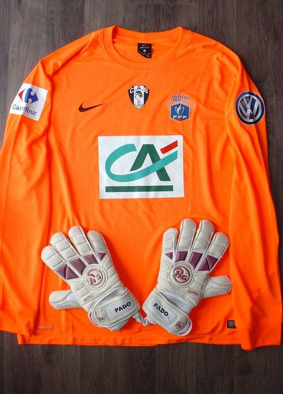 Maillot et gants portés par PADOVANI