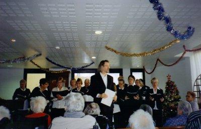 chorale de PUYMERAS au concert de NOEL en decembre 2010