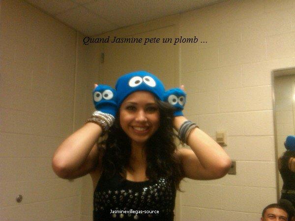 12/11/2010 Jasmine a poster une nouvelle photo Twitter - Le 8/11/2010 Justin a poster 2 photos en compagnie de sa soeur !