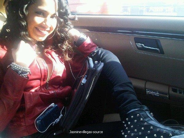 Le 18 novembre - Jasmine viens de postée cette photo sur twitter !