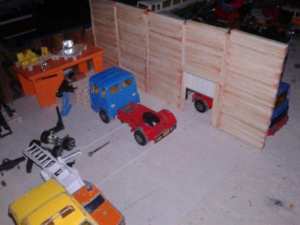 diorama casse voila je vous presente mon nouveaux chantier un futur hangar pour les engins