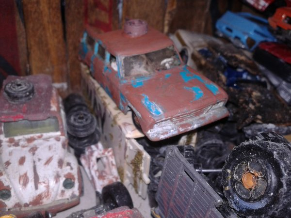 diorama casse une studebaker de chez matchbox
