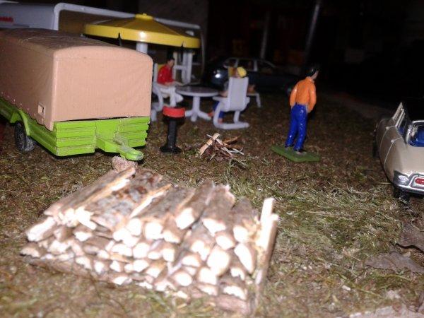 diorama camping