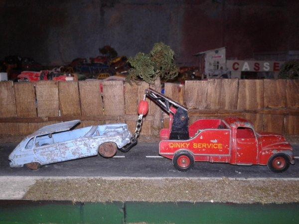 dinky toys u23 et la r16