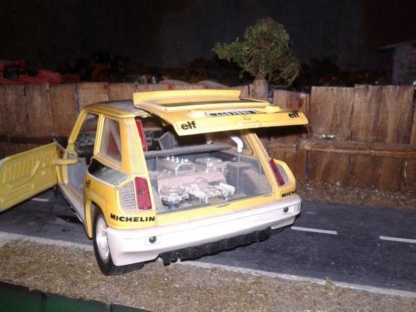 Burago Renault 5 turbot 1/24éme