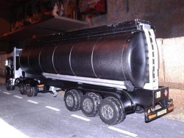 majorette truck citerne avec sa nouvelle peinture