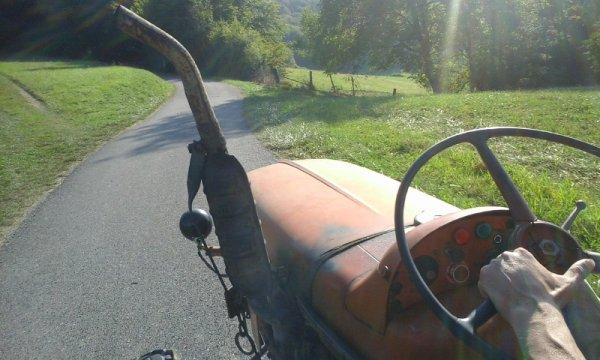 balade en tracteur renault 71