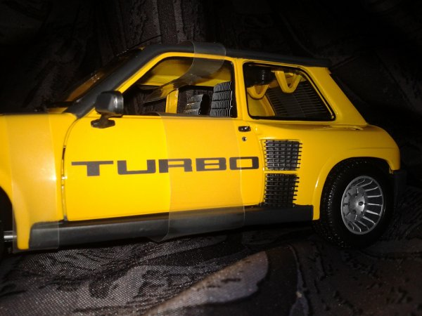 UH R5 TURBO