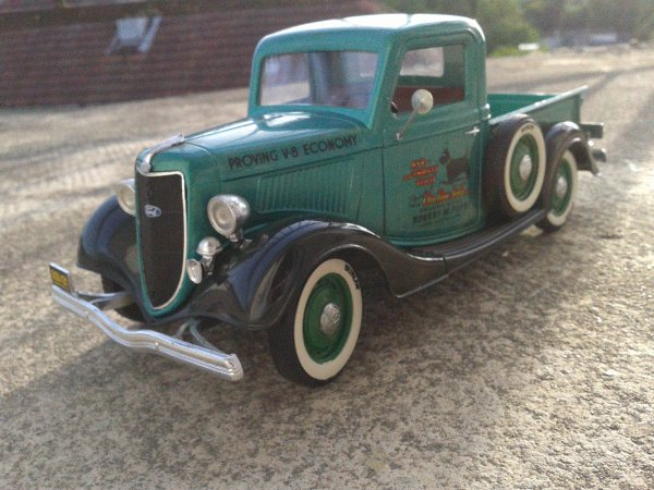 solido ford V8 1936