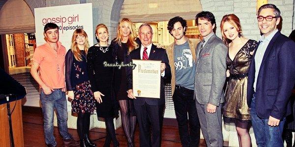 26/01 Blake et le cast' de Gossip Girl ont célébrer la cérémonie du 100ème épisode en compagnie du maire de New York.
