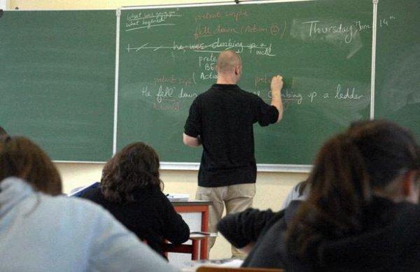 Dans la classe.