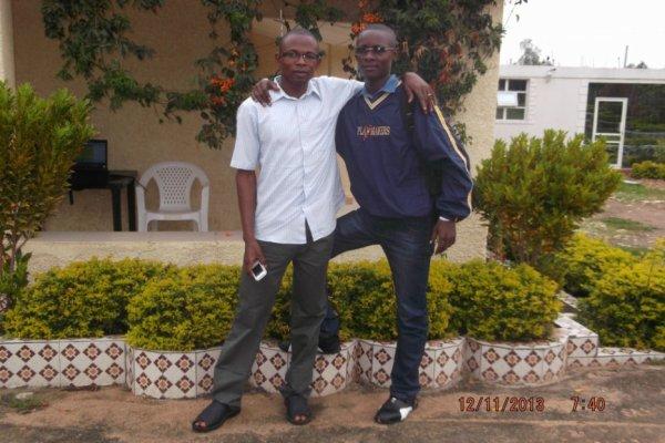 jules-mbongo  fête aujourd'hui ses 31 ans, pense à lui offrir un cadeau.Hier à 23:30