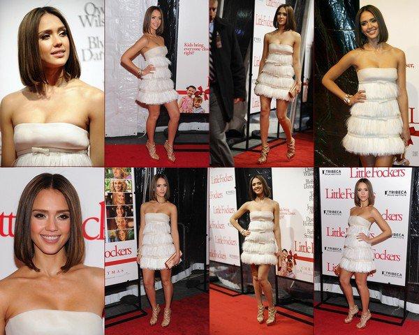 """Jessica Alba a été repéré lors de la première de son nouveau film """"Little Fockers"""" à New York la nuit dernière (Décembre 15).Ravissant ! TOP !"""