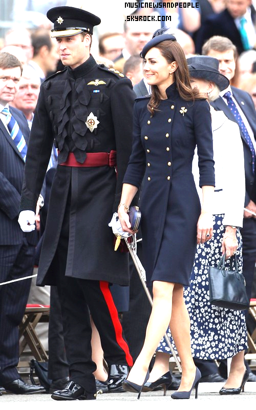 Ohhh It's so cute ! So British !    William et Kate !