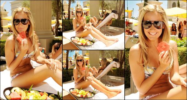 ASHLEY TISDALE  -a  été aperçue à Las Vegas , Pure Nightclub pour fêter son 26ème anniversaire ce vendredi soir (Juillet 15).Rayonnante.     -En prenant du bon temps au soleil , Ashley Tisdale était occupé à bronzer à Las Vegas, le samedi après-midi (16 Juillet).