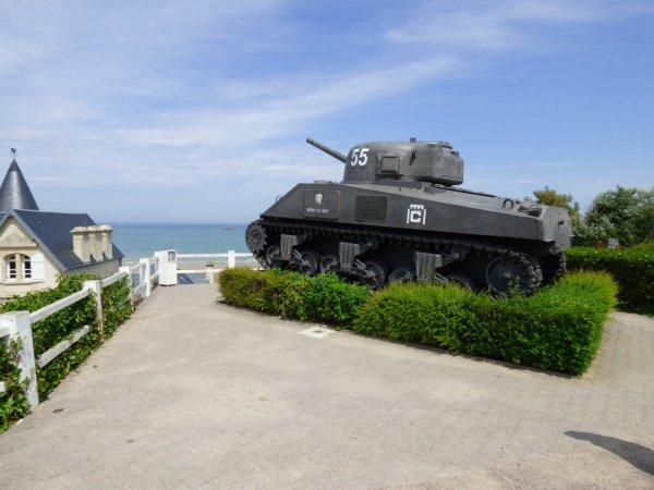 le sherman d'Arromanches
