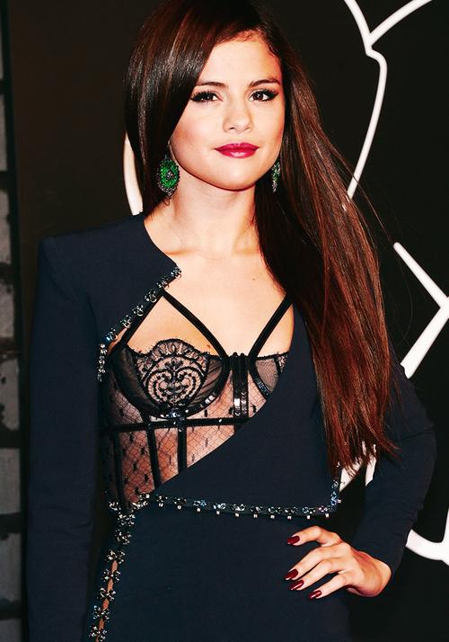 ❀Selena Gomez au Vidéo Music Awards 2013❀