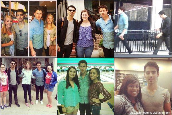 Le 02 Mai 2013 | Danielle et Kevin ont posé avec des fans à New York.
