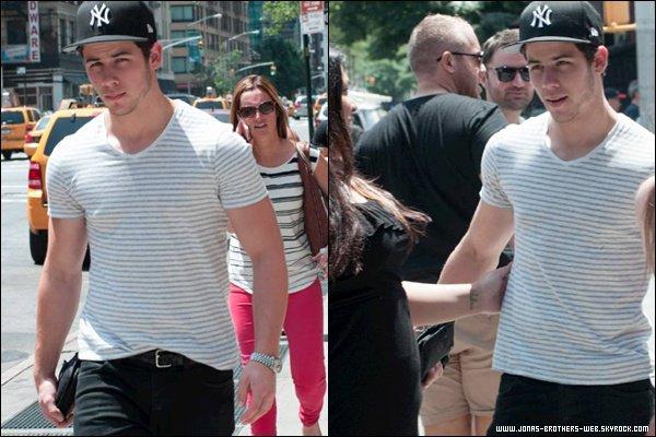 Le 22 Juin 2013 |  Nick a été vue dans New York.