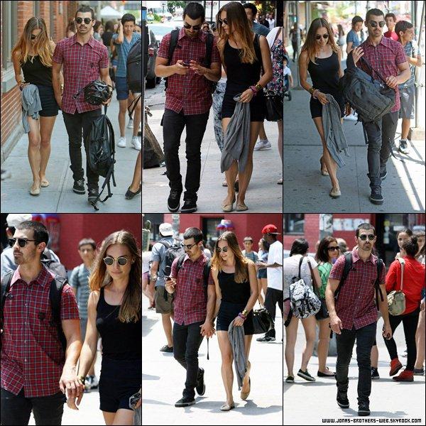 Le 30 Juin 2013 | Joe et Blanda on été vue rentré du Kenya à New York.