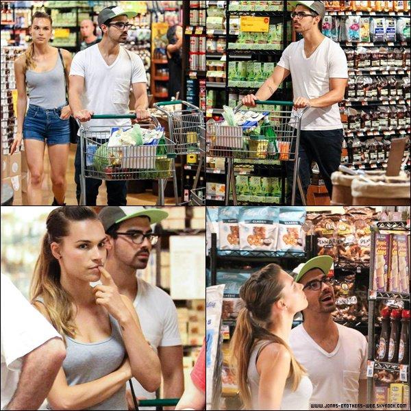 Le 04 Juillet 2013 | Joe, Nick et Blanda ont été vue dans New York.