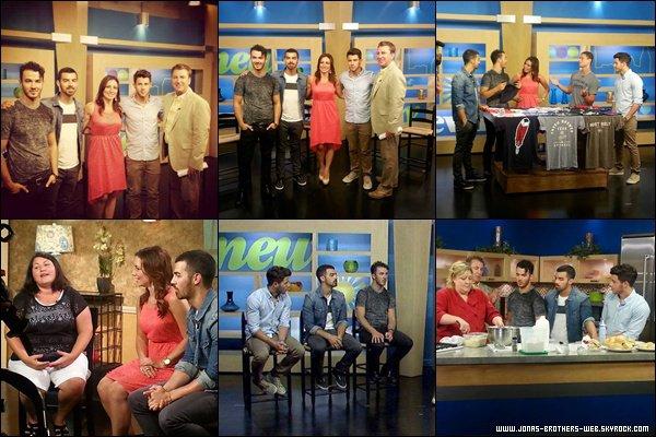 Le 16 Juillet 2013 | Les Jonas a l'émission FOX8 à Cleveland.