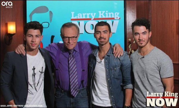 Interview | Les Jonas Brothers ont été en interview avec Larry King.