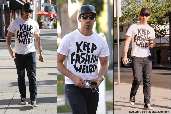 Le 05 Octobre 2013 | Joe a été prit en photo dans Beverly Hills.