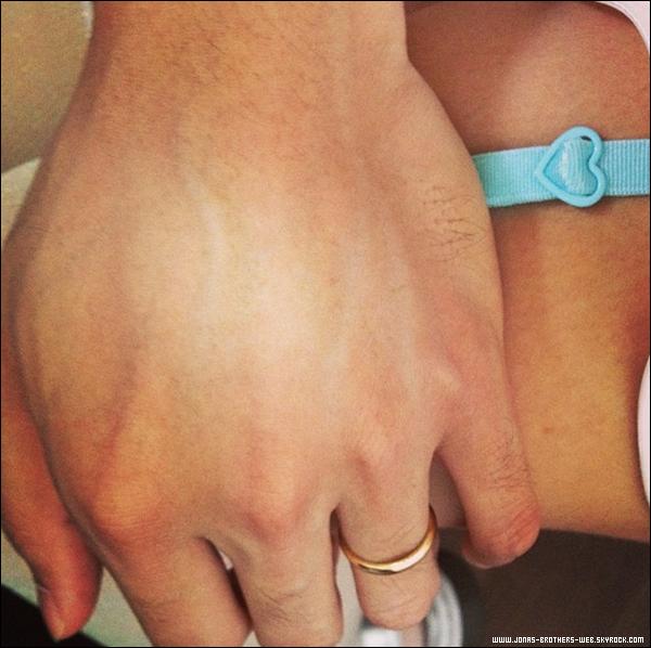 Le 04 Octobre 2013 | Les Jonas Brothers ont été au Chateau Marmont, LA.