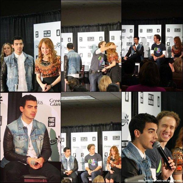 Photos | Les Jonas ont posé avec leurs fans.