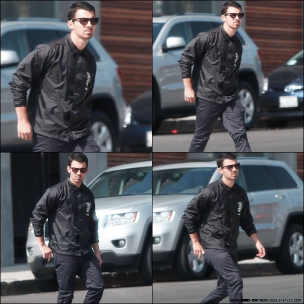 Le 24 Octobre 2013 | Joe a été vue à Cheebo dans Hollywood.