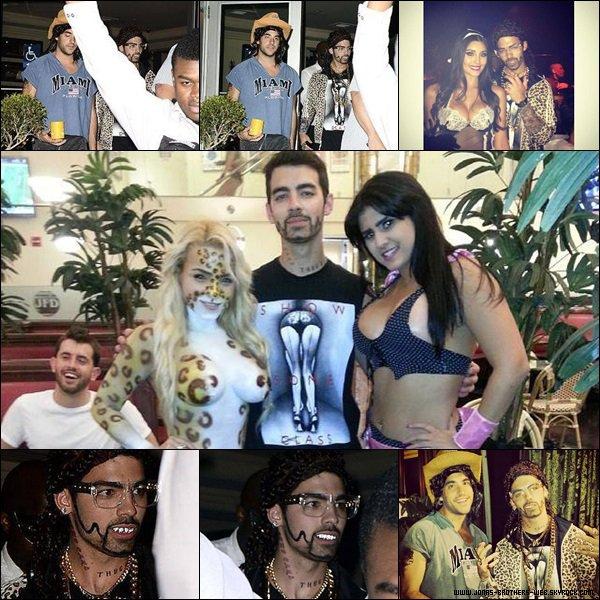 Le 31 Octobre 2013 | Joe et Mikey à une fête d'halloween à Miami.