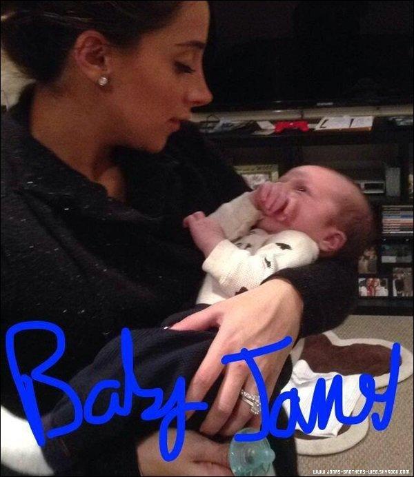 Le 03 Décembre 2013 | Kevin et Danielle ont fait une Baby Shower avec le magazine FitPregnancy.