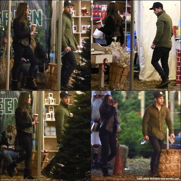 Le 05 Décembre 2013 | Nick et Olivia sont allé ensemble au Mr. Greentrees, L.A.