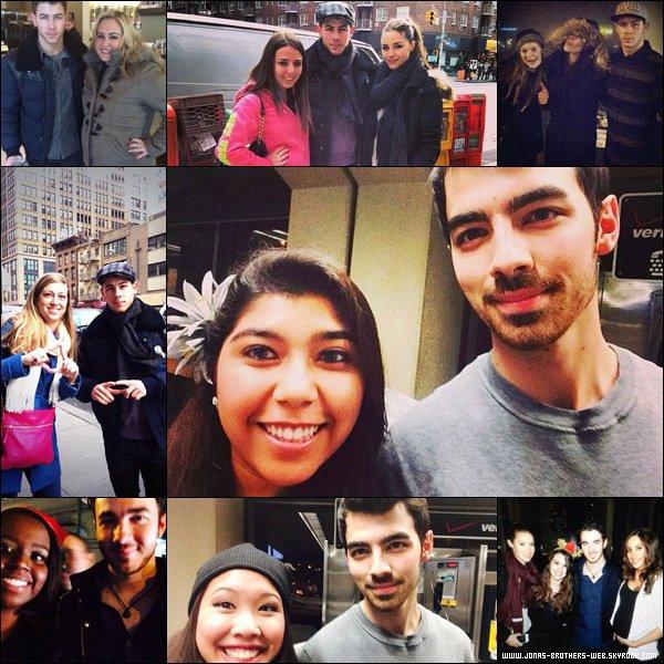 Le 17 Décembre 2013 | Nick et Olivia ont mangé en compagnie d'une amie à New York.